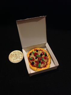 1/12 scale polymer clay pizza