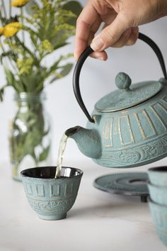 I love these cast iron teapot sets! - Tea Set - Ideas of Tea Set - I love these cast iron teapot sets! Pottery Teapots, Ceramic Teapots, Tee Set, Mountain Rose Herbs, Cuppa Tea, Tea Pot Set, Tea Service, My Cup Of Tea, Tea Ceremony
