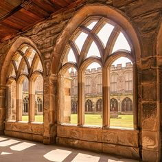 Durham Cathedral as Hogwarts - Harry Potter Filming Location Mundo Harry Potter, Harry Potter Room, Harry Potter Hogwarts, Harry Potter Library, Harry Potter Filming Locations, Slytherin Aesthetic, Harry Potter Pictures, Harry Potter Universal, Hogwarts Houses
