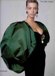 1988 - Yves Saint Laurent Couture evening ensemble by giampaolo vimercati 80s Fashion, Fashion History, Couture Fashion, Runway Fashion, Fashion Brands, Vintage Fashion, Fashion Tips, Vintage Couture, Style Fashion