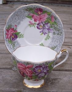 Queen Anne Nottingham Lace Tea Cup & Saucer Set