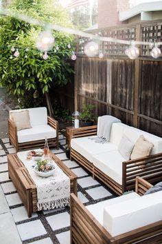 A modern-tropical California outdoor living Room.