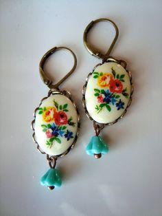 Vintage cameo leverback earrings