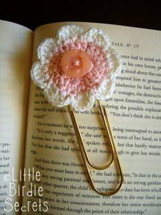 Little Birdie Secrets: crochet bookmark