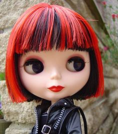 If Saffron from the band Republica were a Blythe doll!!