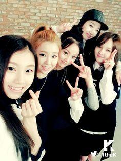 #THEARK #디아크 #빛 #THE_LIGHT #민주 #유나 #유진 #한라 #재인  The Ark (디아크) is a South Korean girl group. Members: MinJu, Yuna Kim, Halla, Yujin and Cheon Jane