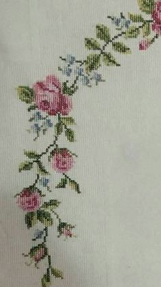 This Pin was discovered by Sem Cross Stitch Designs, Cross Stitch Patterns, Hat Patterns, Christmas Napkins, Cross Stitch Rose, Hand Embroidery, Diy And Crafts, Home Decor, Angles