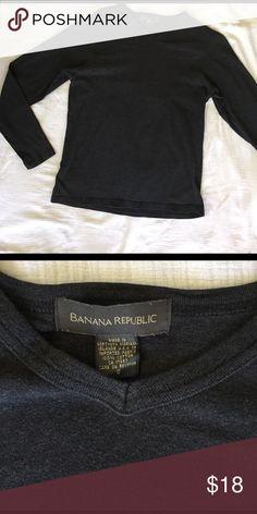 Men's Banana Republic Long Sleeve Top Men's Banana Republic long sleeve top, size small (can also work as a Pullover or women size M). Excellent condition. Dark gray, v-neck. Banana Republic Shirts Tees - Long Sleeve