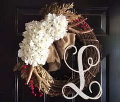 Cool 99 Cute Valentine Door Decoration Ideas You Should Try. More at http://99homy.com/2018/01/09/99-cute-valentine-door-decoration-ideas-try/