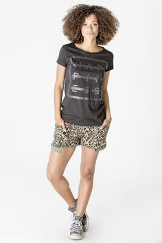 Get this look here! Top: http://www.shophappiness.com/t-shirt-donna-glitter-happiness-logo.html Shorts: http://www.shophappiness.com/pantaloncini-leo-mility.html