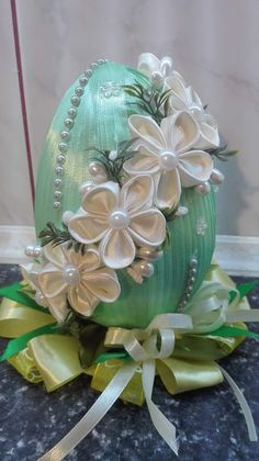 Easter Projects, Easter Crafts, Projects To Try, Coconut Decoration, Thali Decoration Ideas, Fabric Ornaments, Coffee Painting, Faberge Eggs, Egg Art