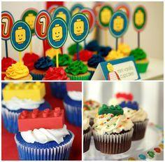 Cupcakes decorados para festa infantil tema Lego