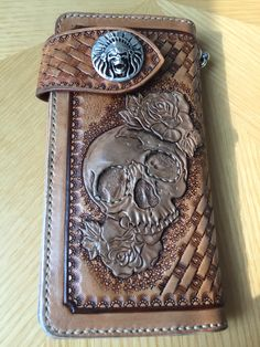 Skull - Leathercarving