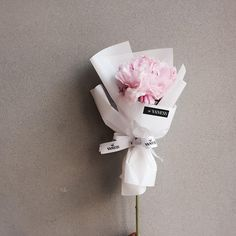 : 자기야~때문에 . #작약_자갹_자갸 #바네스플라워#논현동꽃집#플라워샵#플라워카페#꽃다발 #미니다발#드라이플라워#플로리스트#일상#플라워레슨 #플라워클래스#논현동카페 #vanessflower#flowershop#flowercafe#handtied #dryflower#florist#daily#flowerclass