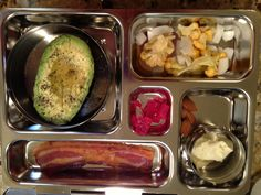 Preschool Lunch #1 ... Here is what I packed my 4 year old daughter for lunch today... via Homemade Mommy