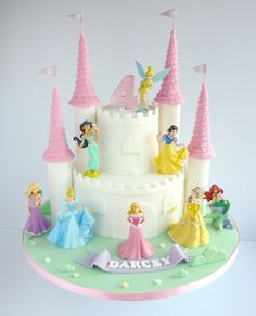Princess Party: Castle birthday cake with cake figurines Disney Princess Birthday Cakes, Castle Birthday Cakes, Disney Princess Castle, Birthday Cake Girls, 4th Birthday, Disney Castle Cake, Princess Castle Cakes, Birthday Ideas, Princess Theme Cake