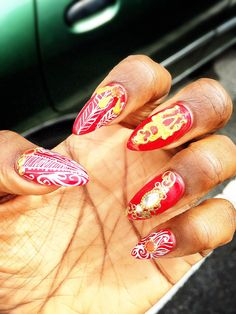 What are the claw like nails called
