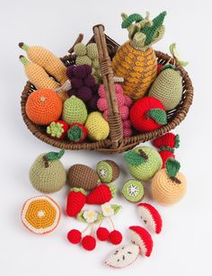 Ravelry: Fruits pattern by Nathalie Petit Crochet Diy, Crochet Amigurumi, Crochet Food, Crochet Kitchen, Crochet Dolls, Fruits En Crochet, Yarn Crafts, Diy And Crafts, Food Patterns