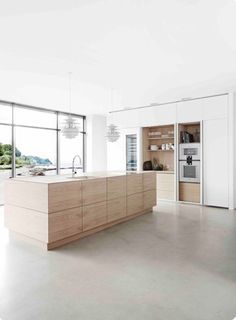 Trendy Kitchen Colors With White Cabinets Grey Interior Design Ideas Concrete Kitchen Floor, Kitchen Flooring, Polished Concrete Kitchen, Hidden Kitchen, New Kitchen, Kitchen Grey, Kitchen Wood, Kitchen Island Oak, Kitchen Pantry