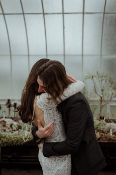 Caro Weiss is the queen of capturing intimate moments, delicate details, and all of the love. 🦪 Greenhouse Wedding, Creative Wedding Photography, Happy Tears, Fire Heart, Beautiful Buildings, Dreadlocks, Delicate, Queen, Stylish