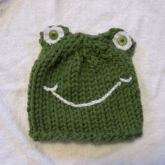 green frog knit hat with button eyes by VeryCoolCrafts.etsy.com - very cool crafts!