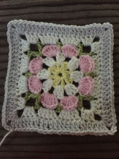 Crochet Granny Square Patterns image - I have been on a bit of a blanket craze at the moment making them for everyone who has babies being born or birthdays coming up. I want to make a keep sake that they will hopefully have until they … Point Granny Au Crochet, Crochet Square Blanket, Crochet Motifs, Crochet Blocks, Granny Square Crochet Pattern, Crochet Flower Patterns, Crochet Squares, Crochet Blanket Patterns, Baby Blanket Crochet