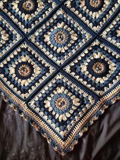Crochet Navajo Afghan Pattern Intermediate Skill L Granny Square Crochet Pattern, Crochet Squares, Crochet Blanket Patterns, Crochet Granny, Granny Squares, Crochet Home, Knit Or Crochet, Crochet Motif, Yarn Projects