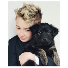 Such a gorgeous image of Wynn and his new puppy Teddy . . .  @wynns_world wearing @appaman suit.