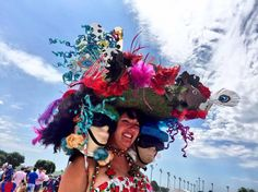 It's one fashionable day at the races.