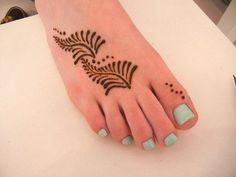 simple henna ferns