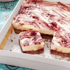 Raspberry Cheesecake Bars Recipe from Taste of Home -- shared by Jill Cox of Lincoln, Nebraska - My husband's fav dessert! Raspberry Cheesecake Bars, Cheesecake Recipes, 13 Desserts, Dessert Recipes, Mothers Day Desserts, Dessert Healthy, Bar Recipes, Cupcakes, Cupcake Cakes