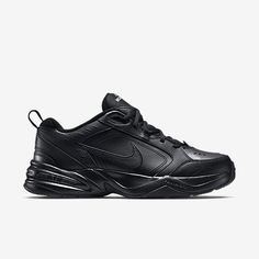 Products engineered for peak performance in competition, training, and life. Shop the latest innovation at Nike.com. Nike Air Monarch, Mens Training Shoes, Cross Training Shoes, Black And White Sneakers, Black Nikes, Mens Nike Air, Nike Men, Nike Workout Gear, Ski Et Snowboard