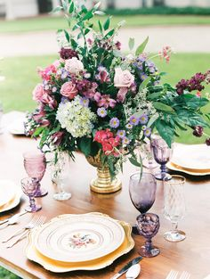 floral centerpiece from Tryon Palace, New Bern, NC styled shoot featured on The Carolinas Magazine