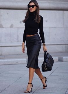 All-Black Fall Outfits That are Anything But Basic Fashion Week, Look Fashion, Autumn Fashion, Fashion Outfits, Womens Fashion, Fashion Trends, Fashion Styles, Fashion Clothes, Luxury Fashion