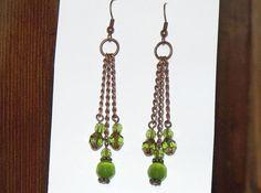 Lime Green Chandelier Earrings avec cuivre par CJKingOriginals