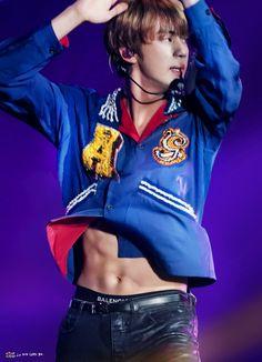 """seokjin hd pictures that hit different— a thread"" Jungkook Abs, Seokjin, Best Cardio Workout, Workout Fitness, Worldwide Handsome, Namjin, Bts Photo, Big Love, Me As A Girlfriend"