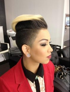 70 Most Gorgeous Mohawk Hairstyles of Nowadays Short Hair Styles Easy, Short Hair Cuts, Natural Hair Styles, Short Curls, Mohawk Hairstyles For Women, American Hairstyles, Blonde Hairstyles, Love Hair, Gorgeous Hair