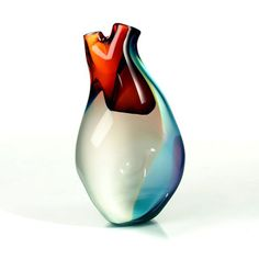 Ventricle Vessel Anatomically inspired heart-shaped glass vase created by Eva Milinkovic of Tsunami Glassworks. Tsunami, Flower Vase Design, Flower Vases, Glass Vessel, Turquoise Color, Organic Beauty, Hand Blown Glass, Decorative Objects, Cool Stuff