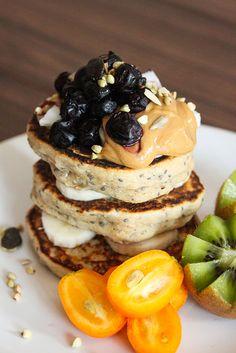 Pancakes super fluffy (vegan, sans sucres raffinés, sans matière grasse ajoutée) pfannkuchen for kids recipe einfach für kinder von Grund auf und pyjamaparty Healthy Meals For Two, Healthy Crockpot Recipes, Healthy Cooking, Healthy Food, Pancakes Vegan, Healthy Waffles, Fluffy Pancakes, Chia Vegan, Best Breakfast Recipes