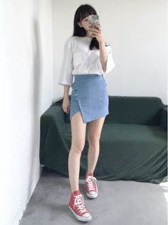 Korean Fashion Trends you can Steal – Designer Fashion Tips Korean Girl Fashion, Korean Fashion Trends, Ulzzang Fashion, Korean Street Fashion, Korea Fashion, Kpop Fashion, Japanese Fashion, Asian Fashion, Fashion Outfits