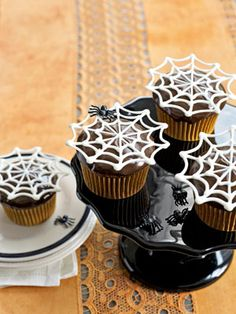 Halloween Cupcake and Cake Recipes - spiderweb cupcakes & link to pattern