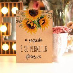 Girassol 2 - Quadro de madeira Sunflower Party, Wedding Decor, Cursed Child Book, Wedding Details, Dream Wedding, Happy Birthday, Place Card Holders, Sweet Sixteen, Invitations