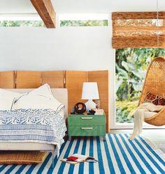 black shower airy beach bedroom + striped area rug interior home design ideas boys room design Dream Bedroom, Home Bedroom, Modern Bedroom, Casual Bedroom, Airy Bedroom, Bedroom Swing, Bungalow Bedroom, Calm Bedroom, Summer Bedroom
