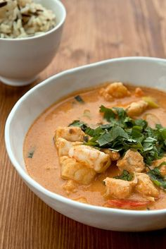 See related links to what you are looking for. Fish Recipes, Indian Food Recipes, Asian Recipes, Healthy Recipes, I Love Food, Good Food, Eat Thai, Low Carb Brasil, Fish Curry