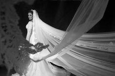 Noiva: Renata Eiras. Vestido de Dani Messih. Foto por: Anna Quast e Ricky Arruda.