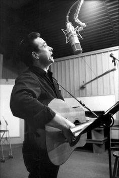 Johnny Cash with a Martin D-28 and a Neumann U47, Circa 1958-'61