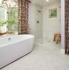 Crossville's Virtue porcelain tile offers a subdued chic foundation to other dramatic elements. #tile #bathdesign