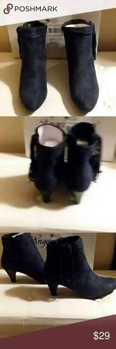 """ANGEL DESIGNS BOOTIES, SIZE 8-1/2 M PLEASE FEEL FREE TO ASK QUESTIONS BEFORE PURCHASE   NWB COLOR: MFG. NAVY ZIPPERS FRINGES ON EACH SIDE OF BOOT MAN MADE SUEDE, MICROFIBER 2"""" HEEL ANGEL Shoes Ankle Boots & Booties"""