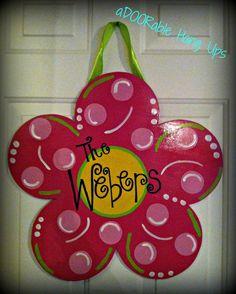 Spring Flower Door Hanger by aDOORableHangUps on Etsy, $30.00 Burlap Projects, Burlap Crafts, Wooden Crafts, Craft Projects, Craft Ideas, Painted Doors, Wooden Doors, Painted Letters, Wooden Signs