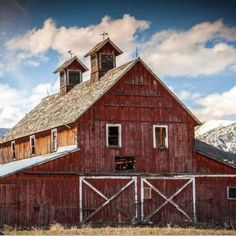 FARMHOUSE – BARN – vintage early american barn commonly used for storing farm equipment, storage of harvested crops, or providing shelter for livestock, like this one which is one of the oldest barns in the bitterroot valley of montana. Farm Barn, Old Farm, Country Barns, Country Life, Country Living, Country Roads, Country Houses, Country Charm, Country Style